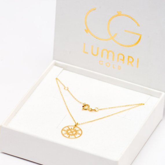This minimalistic compass necklace is made of 14k gold, such a beautiful and fashionable necklace!